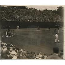 1927 Press Photo Henri Cochet vs Bill Johnston at Davis Cup tennis in PA