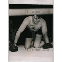 1935 Press Photo Boxer Tommy Loughran on the canvas vs Ray Impellittiere