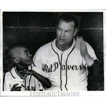 1970 Press Photo Former Astros pitcher Jim Houton & bat boy Pat Pavers