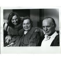 1976 Press Photo  William Mackie with family - ora58059