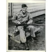 1943 Press Photo Murray Muzz Patrick of Rangers now in US Army Ft Custer MI