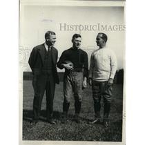 1930 Press Photo Harvard football Bill Bingham, Capt LT Barrett, coach A Horween
