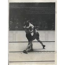 1929 Press Photo Joe Sekyra beaten by Leo Lomski in Madison Square Garden bout