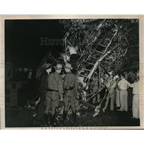 1938 Press Photo Cabin Airline crashed in an apple orhard Armonk Village N.Y