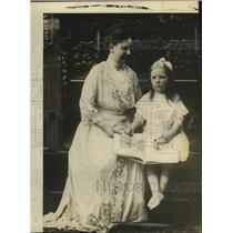 1918 Press Photo Queen Wilhelm of Holland & Only Daughter Who is 3 - nex99419