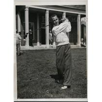 1934 Press Photo Leonard Martin at Wykagyl Golf club in Metro Championship