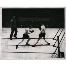1935 Press Photo Jackie Gibbons vs Billy Ketchell at middleweight bout NYC