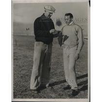 1934 Press Photo Rare Bill Hargiss & Glenn Cunningham at a track meet