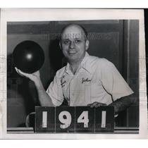 1949 Press Photo Johnny Small leads all events bowling at Atlantic City NJ