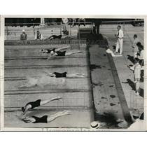 1932 Press Photo Start of Womens 200 meter breaststroke M Hoffman, C Dennis