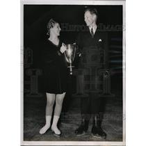 1938 Press Photo Nettie Prantell & Harold Hartshorne win ice dance at Nationals