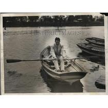 1931 Press Photo Boxer Young Stribling rows boat training for Max Schmeling bout