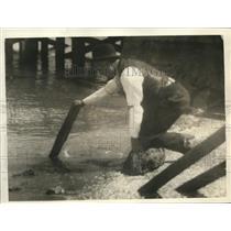 1925 Press Photo Harry Young Tender of Bay Farm Island Bridge Alemeda California