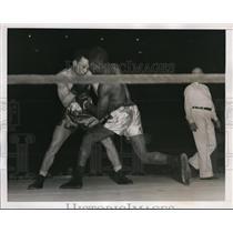 1938 Press Photo Bradley Lewis vs Buddy Waterman at National AAU boxing