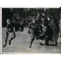 1938 Press Photo 220 yard speed skate in Wisconsin Roger Moisman, Bud Sprosty