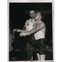 1935 Press Photo Jimmy McLarnin & trainer Charles Schoeneman at NY gym