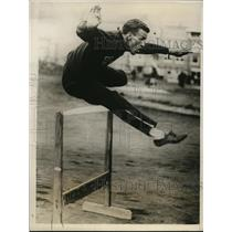1928 Press Photo Steve Anderson at hurdle practice for the Olympics - nes46236