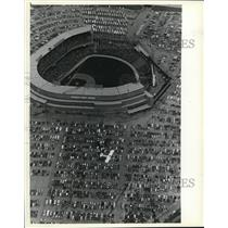 1981 Press Photo County Stadium the place to be for the Brewers Opening Day game