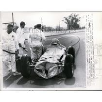 1962 Press Photo Norm Hall's race car skidded out at Indianapolis 500