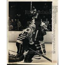 1969 Press Photo Blackhawks goalie Alain Chevrier after Flames Joe Mullen scores