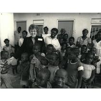 1987 Press Photo Rev. Joan Campbell U.S. WCC Leader in Lusaka Zambia,