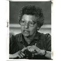 1985 Press Photo Roma Foldy, Observer of organizations working with Refugees