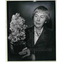 1978 Press Photo Cleveland Silversmith Marion Jordan with her Strontianite
