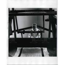1994 Press Photo The King's Rose to be worked on the old looms in dyed yarns