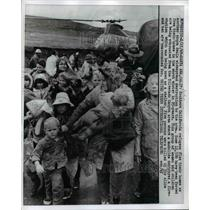 1969 Press Photo Southern California Refugees Flee Their Homes Before The Storm