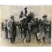 1923 Press Photo Frank Curson & his horse Call Boy with jockey C Elliott