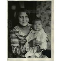 1930 Press Photo Mrs Mary Pole & daughter Evelyn in Cleveland  - nee89917