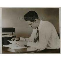 1937 Press Photo Ventilated Shirt for Men  - nee90360