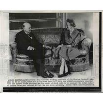 1956 Press Photo Official birthday portrait of Sir Winston Churchill and Wife