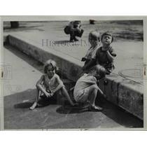 1936 Press Photo Children at Fairview Pool  - nee92368