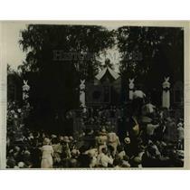 1923 Press Photo Pres.Warren Harding friends watching as casket being carried