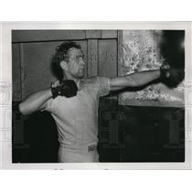 1939 Press Photo Gus Lesnevich trains at NY Pioneer gym for Billy Conn bout
