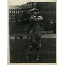 1927 Press Photo H Stilson Hart at golf at Barlington club in Hot Springs AK
