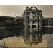 1934 Press Photo General Electric Institute facing pond at Nela Park, Cleveland