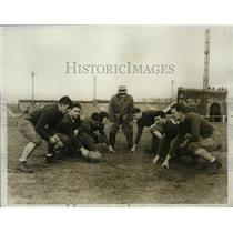 1933 Press Photo Temple University football coach Pop Warner & his linemen