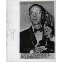 1963 Press Photo Don Knotts holds trophy as he won as best supporting actor