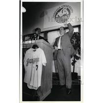 1989 Press Photo Donald Sabey receives a Gonzaga University Baseball Jersey.
