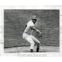 1972 Press Photo Cinncinati Reds player Tom Hall in action - net01445