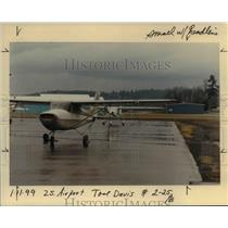 1999 Press Photo Small planes at Mulino Airport - ora99091