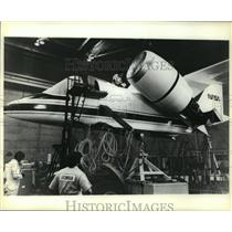 1980 Press Photo Workers prepare full scale model of Grumman Aerospace Corp