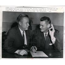 1961 Press Photo Orioles GM Lee McPhail signs new manager Billy Hitchcock