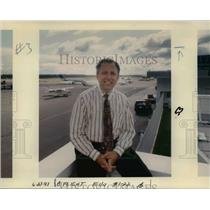 1993 Press Photo Ernie Strum - ora87579