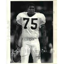 1989 Press Photo Chris Pike, Cleveland Browns defensive tackle - cvb57935