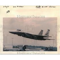 1991 Press Photo An Oregon Air National Guard F-15 takes off Thursday - ora99967