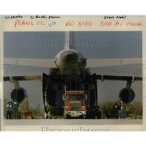 1990 Press Photo Crates Of Machinery Destined For Armenia Are Loaded