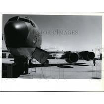 1990 Press Photo A Fairchild airman check new engines on a KC-135 tanker